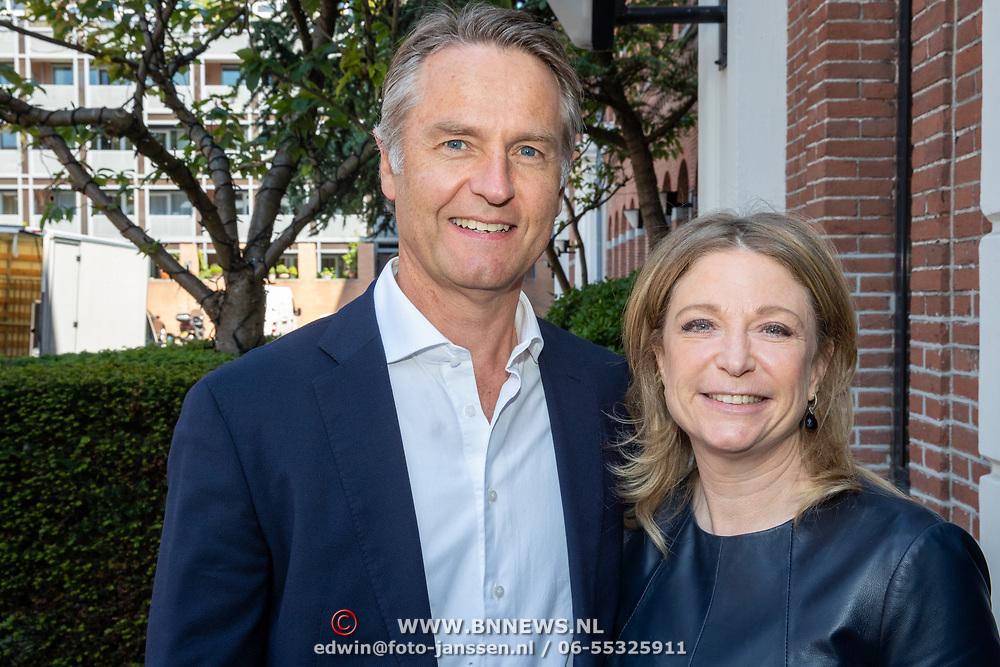 NLD/Amsterdam/201905229 - 10-jarig jubileum van Helden, Kim Barend en partner