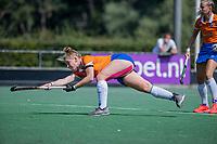 AMSTELVEEN -  Pien Molenaar (Bldaal)  tijdens de oefenwedstrijd tussen de dames van Bloemendaal en Pinoke   ter voorbereiding van het hoofdklasse hockeyseizoen 2020-2021.  COPYRIGHT KOEN SUYK