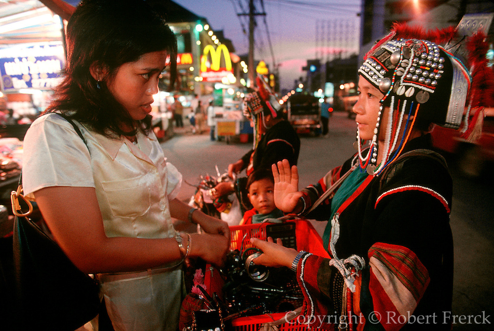 THAILAND, GOLDEN TRIANGLE Chiang Mai, famous night market