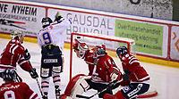 Ishockey , Get - ligaen ,<br /> Kvartfinale 5/7<br /> 12.03.2012 <br /> Kristins Hall<br /> Lillehammer I.K  v Sparta Sarpsborg  <br /> Foto:Dagfinn Limoseth  -  Digitalsport<br /> Brandon Buck , Sparta  og Ryan Nie , Lillehammer