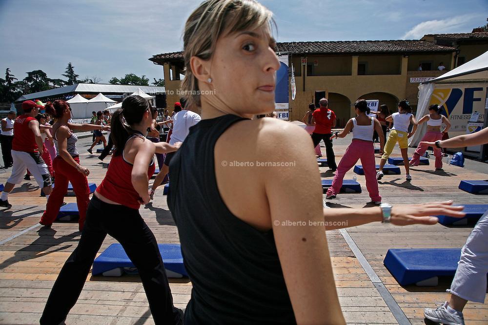Italy, Florence, Fortezza da Basso, Fitfestival, step lesson
