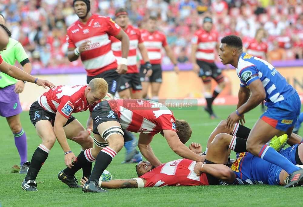 070418 Emirates Airlines Park, Ellis Park, Johannesburg, South Africa. Super Rugby. Lions vs Stormers. Elton Jantjies lays the ball back to Dillon Smit.<br />Picture: Karen Sandison/African News Agency (ANA)