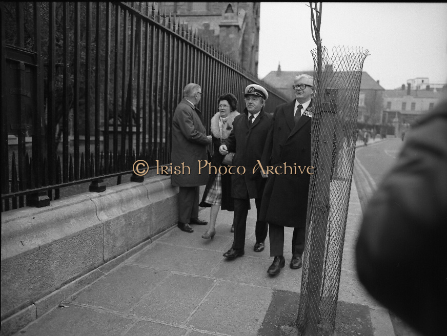 Remembrance Day Service.1983.13.11.1983.11.13.1983.13th November 1983..A remembrance service was held in St Patrick's Cathederal, Dublin,(Poppy Day) to commerate the Irish Fallen who died  whilst on service with the British Army in the two World Wars..Men and women from many services in the British Armed Forces arrive for the ceremony