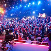 NLD/Hilversum/20130202 - 6de liveshow Sterren Dansen op het IJs 2013, publiek