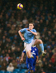 MANCHESTER, ENGLAND - Monday, February 25, 2008: Manchester City's Richard Dunne during the Premiership match against Everton at the City of Manchester Stadium. (Photo by David Rawcliffe/Propaganda)