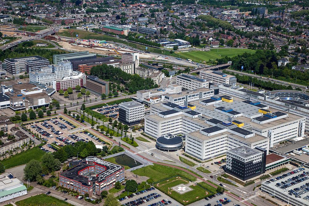 Nederland, Limburg, Gemeente Maastricht, 27-05-2013; Langs rijksweg A2 (middenboven) Academisch Ziekenhuis Maastricht ,  De werkzaamheden van de A2-tunnel  zijn in volle gang, oplevering 2016. <br /> University hospital Maastricht, river Maas (meuse) left.<br /> luchtfoto (toeslag op standaardtarieven);<br /> aerial photo (additional fee required);<br /> copyright foto/photo Siebe Swart.