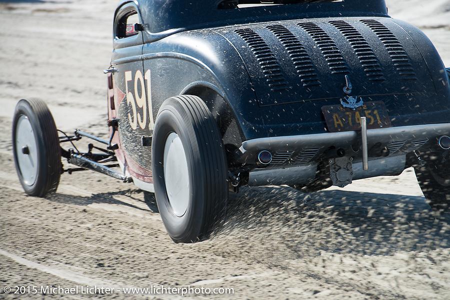 Ken Schmidt racing his 1933 Ford three window coupe down the beaach at the Race of Gentlemen. Wildwood, NJ, USA. October 11, 2015.  Photography ©2015 Michael Lichter.