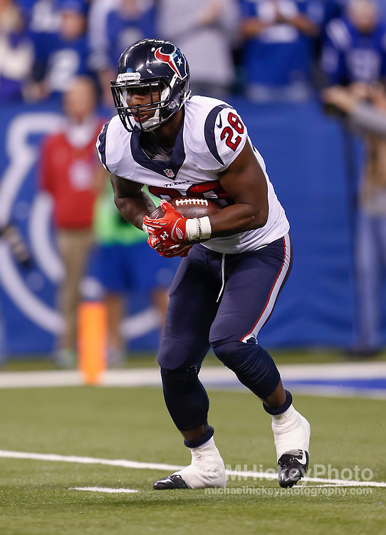 INDIANAPOLIS, IN - DECEMBER 20: Alfred Blue #28 of the Houston Texans runs the ball against the Indianapolis Colts at Lucas Oil Stadium on December 20, 2015 in Indianapolis, Indiana.  (Photo by Michael Hickey/Getty Images) *** Local Caption *** Alfred Blue