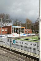WINSUM  - Ook  de hockeyvelden van HC Winsum, de geografisch noordelijkste hockeyclub van Nederland ,   zijn verboden terrein  ivm Coronavirus. COPYRIGHT KOEN SUYK