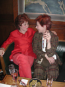 Ruby Wax and Zoe Wannamaker. The Vagina Monologues first night at the New Ambassador Theatre and afterwards at the ivy. © Copyright Photograph by Dafydd Jones 66 Stockwell Park Rd. London SW9 0DA Tel 020 7733 0108 www.dafjones.com
