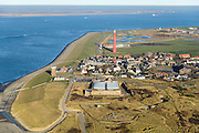 Nederland, Noord-Holland, Den Helder, 11-12-2013; Huisduinen, Fort Kijkduin en vuurtoren Lange Jaap. Marsdiep met Texel aan de horizon.<br /> Historical fortress and lighthouse.<br /> luchtfoto (toeslag op standaard tarieven);<br /> aerial photo (additional fee required);<br /> copyright foto/photo Siebe Swart.