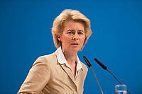 09 DEC 2014, KOELN/GERMANY:<br /> Ursula von der Leyen, CDU, Bundesverteidigungsministerin, haelt eine Rede, CDU Bundesparteitag, Messe Koeln<br /> IMAGE: 20141209-01-115<br /> KEYWORDS: Party Congress