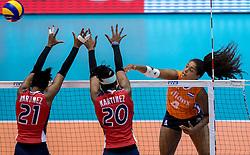 18-05-2016 JAP: OKT Nederland - Dominicaanse Republiek, Tokio<br /> Nederland is weer een stap dichterbij kwalificatie voor de Olympische Spelen. Dit dankzij een 3-0 overwinning op de Dominicaanse Republiek / Jineiry Martinez #21, Brayelin Elizabeth Martinez #20, Celeste Plak #4