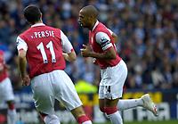 Photo: Daniel Hambury.<br />Reading v Arsenal. The Barclays Premiership. 22/10/2006.<br />Arsenal's Thierry Henry celebrates his goal.