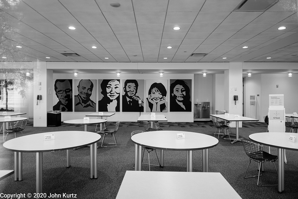 01 OCTOBER 2020 - DES MOINES, IOWA:  The empty dining and break room at the Wells Fargo Bank, one of the largest employers in downtown Des Moines. The economy in downtown Des Moines is still feeling the affects of the COVID-19 shutdown ordered in March. Seven months after the shutdown, employers still have their workers working from home. Restaurants, barbershops, and retail are feeling the impact. Many have closed or cut back on workers and hours.       PHOTO BY JACK KURTZ
