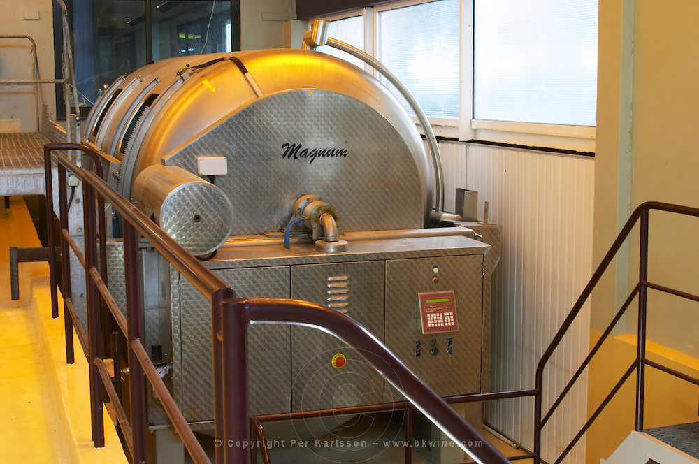 The big pneumatic wine press of the make Magnum Champagne house Maison Giraud-Hemart, also called Champagne Henri Giraud, Ay, Vallée de la Marne, Champagne, Marne, Ardennes, France