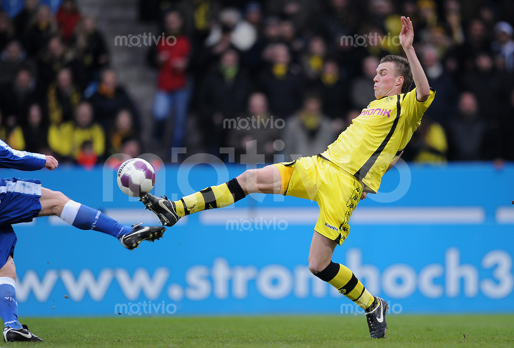 Fussball Bundesliga Saison 2009/2010 VFL Bochum - Borussia Dortmund Kevin GROSSKREUTZ (BVB).