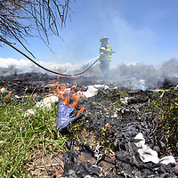 Toluca, México.- (Junio 04, 2018).- Bomberos de  Toluca sofocaron un incendio de llantas en San Antonio Buenavista, en un predio en donde la gente acostumbra tirar basura y otros desechos. Agencia MVT / Crisanta Espinosa.