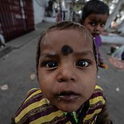20190204 Calcutta, West Bengal Indien<br /> morgon ritualer vid Malik Ghat  Kolkata<br /> Vid Ganges<br /> <br /> FOTO : JOACHIM NYWALL KOD 0708840825_1<br /> COPYRIGHT JOACHIM NYWALL<br /> <br /> ***BETALBILD***<br /> Redovisas till <br /> NYWALL MEDIA AB<br /> Strandgatan 30<br /> 461 31 Trollhättan<br /> Prislista enl BLF , om inget annat avtalas.