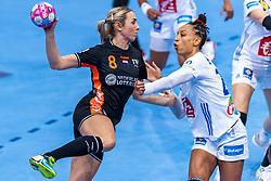 14-12-2018 FRA: Women European Handball Championships France - Netherlands, Paris<br /> Second semi final France - Netherlands / Lois Abbingh #8 of Netherlands , Beatrice Edwige #24 of France