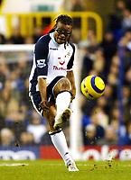 Photo: Chris Ratcliffe.<br />Tottenham Hotspur v Sunderland. The Barclays Premiership. 03/12/2005.<br />Edgar Davids