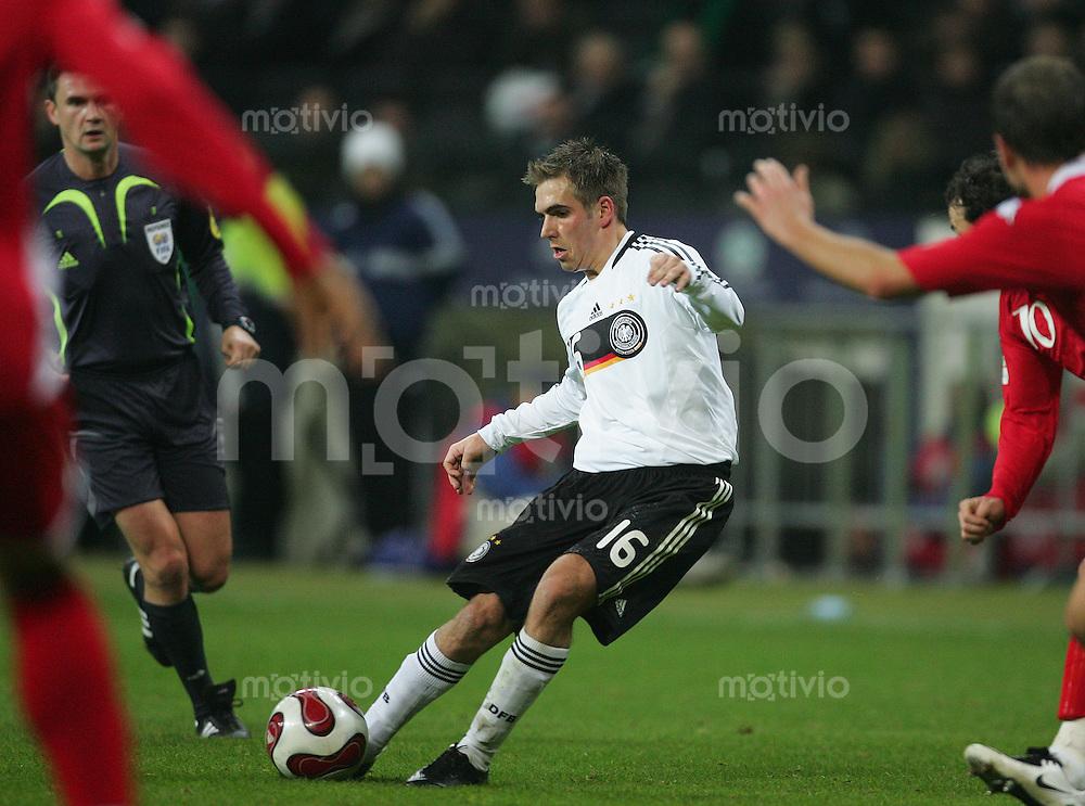 21.11.07 EM Qualifikation Deutschland - Wales Philipp LAHM (GER).