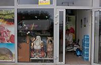 12.07.2012 Wolka Kosowska woj mazowieckie Chinskie Centrum Handlowe N/z wietnamski sklep spozywczy fot Michal Kosc / AGENCJA WSCHOD