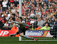 JENS LEHMANN GETS BEATEN BY ROY KEANE-F A CUP FINAL-21st MAY 2005-ARESNAL V MANCHESTER UNITED-.PIC BY KIERAN GALVIN / COLORSPORT