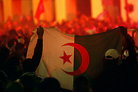 Fotball<br /> Fans Algerie feirer<br /> Foto: DPPI/Digitalsport<br /> NORWAY ONLY<br /> <br /> FOOTBALL - FIFA WORLD CUP 2010 - QUALIFYING AFRICA - PLAY OFF - EGYPT v  ALGERIA - 18/11/2009<br /> <br /> FANS ALGERIA IN MARSEILLE AFTER THE MATCH