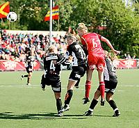 Fotball , <br /> Toppserien kvinner , <br /> 18.05.08 , <br /> Røa kunstgress stadion , <br /> Dynamite Girls Røa - Arna Bjørnar , <br /> Kristine Edner nicker inn 2-1 målet , <br /> Foto: Thomas Andersen / Digitalsport