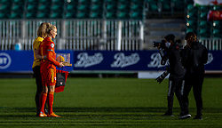 NEWPORT, WALES - Thursday, October 22, 2020: Wales' captain Sophie Ingle is presented with a gold cap, for making 100 appearances for Wales, before the UEFA Women's Euro 2022 England Qualifying Round Group C match between Wales Women and Faroe Islands Women at Rodney Parade. Wales won 4-0. (Pic by David Rawcliffe/Propaganda)