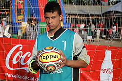 O goleiro Lucas D'Ávila em partida válida pela Copa Coca-Cola, no campo do Piriquito, neste sábado 10/09/2011, em Porto Alegre Alegre. FOTO: Itamar AguiarPreview.com