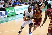 DESCRIZIONE : Siena Lega A 2013-14 Montepaschi Siena Umana Venezia<br /> GIOCATORE : David Reginald Cournooh<br /> CATEGORIA : penetrazione<br /> SQUADRA : Montepaschi Siena<br /> EVENTO : Campionato Lega A 2013-2014<br /> GARA : Montepaschi Siena Umana Venezia<br /> DATA : 11/11/2013<br /> SPORT : Pallacanestro <br /> AUTORE : Agenzia Ciamillo-Castoria/GiulioCiamillo<br /> Galleria : Lega Basket A 2013-2014  <br /> Fotonotizia : Siena Lega A 2013-14 Montepaschi Siena Umana Venezia<br /> Predefinita :