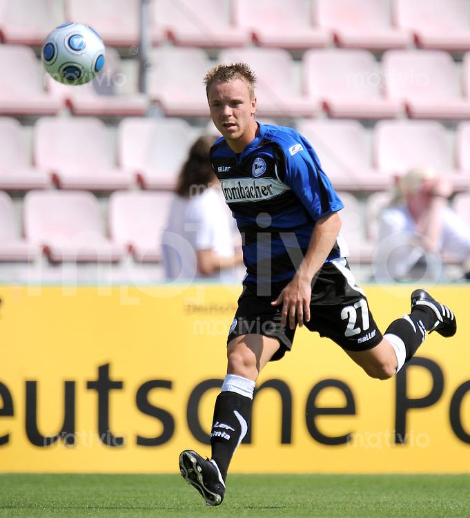 FUSSBALL     3. BUNDESLIGA     SAISON 2009/2010     01.08.2009 SpVgg Unterhaching - Arminia Bielefeld  0:3, Arne Feick (Bielefeld)