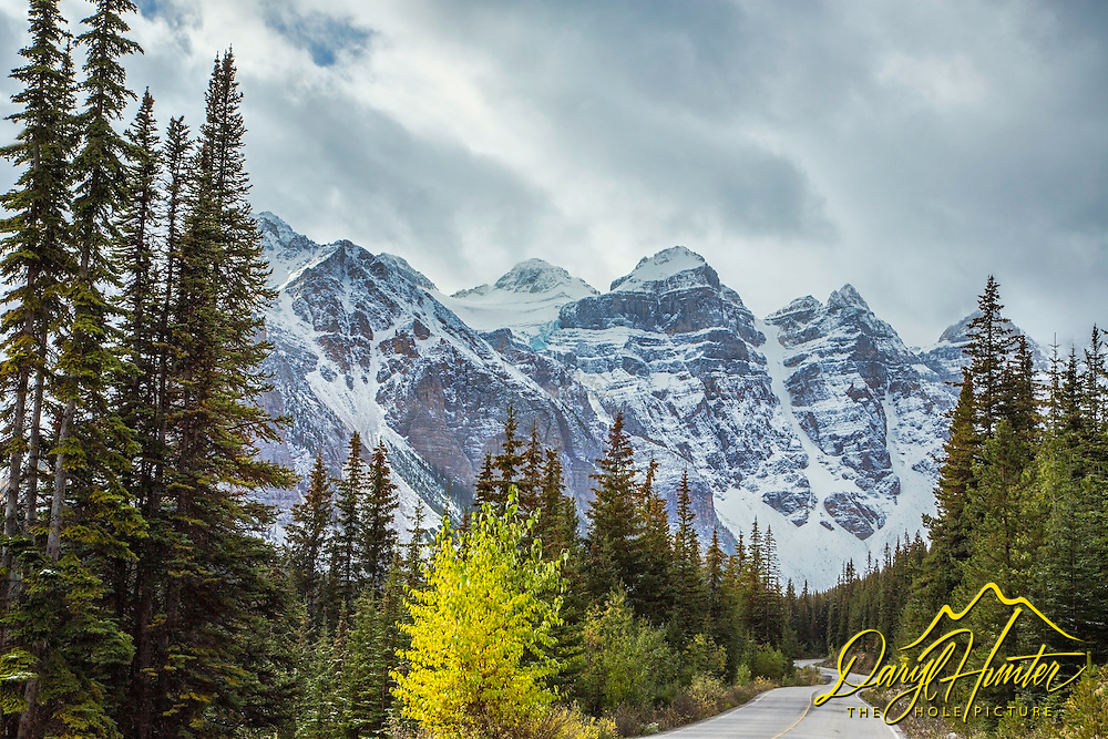 Road to Valley of the Ten Peaks and Moraine Lake in Banff National Park