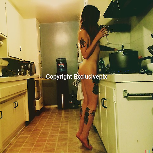 The naked chefs!<br /> Nude cooking blog sparks starkers kitchen craze<br /> ©Cooking Naked/Exclusivepix