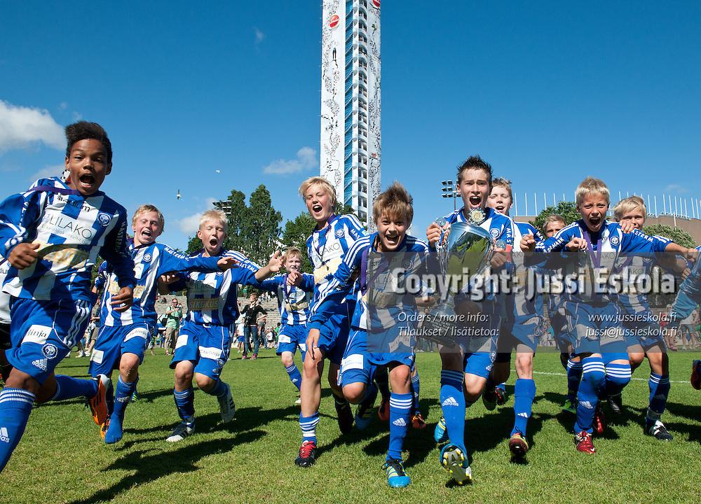 B12 11v11 HJK - TuPS. Helsinki Cup, loppuottelut 16.7.2011. Töölön Pallokenttä. Photo: Jussi Eskola