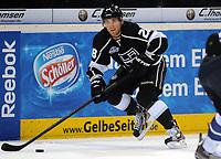 Ishockey<br /> NHL USA<br /> 04.10.2011<br /> Foto: Witters/Digitalsport<br /> NORWAY ONLY<br /> <br /> Jarret Stoll (Kings)<br /> <br /> Eishockey, Compuware NHL Challenge, Hamburg Freezers - Los Angeles Kings