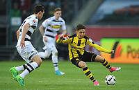 v.l. Andreas Christensen, Emre Mor (Dortmund)<br /> Moenchengladbach, 22.04.2017, Fussball, Bundesliga, Borussia Moenchengladbach - Borussia Dortmund 2:3<br /> <br /> Norway only