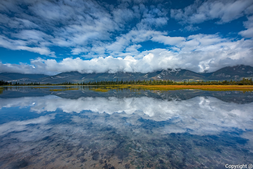 Jasper Lake (Athabasca River)<br />Jasper National Park<br />Alberta<br />Canada