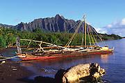 Sailing Canoe, Kanoehe Bay, Oahu, Hawaii<br />