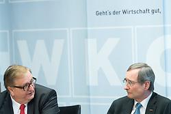 """10.03.2017, WKÖ, Wien, AUT, Pressekonferenz """"Startschuss zur Wirtschaftskammer-Reform WKO 4.0"""", im Bild v.l.n.r. Christoph Matznetter (Sozialdemokratischer Wirtschaftsverband) und Wirtschaftskammer Österreich Präsident Christoph Leitl (ÖVP) // during press conference of the President of the Austrian Economic Chamber in Austria in Vienna, Austria on 2017/03/10, EXPA Pictures © 2017, PhotoCredit: EXPA/ Michael Gruber"""