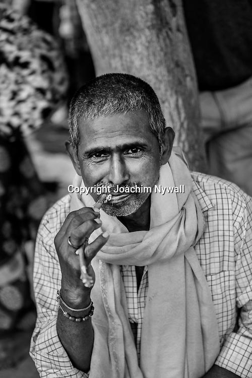 20181104 Sonepur Bihar Indien<br /> Sonepur Mela<br /> Porträtt av en man <br /> ----<br /> FOTO : JOACHIM NYWALL KOD 0708840825_1<br /> COPYRIGHT JOACHIM NYWALL<br /> <br /> ***BETALBILD***<br /> Redovisas till <br /> NYWALL MEDIA AB<br /> Strandgatan 30<br /> 461 31 Trollhättan<br /> Prislista enl BLF , om inget annat avtalas.