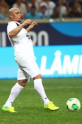 Roberto Carlos durante a 10ª edição do Jogo Contra a Pobreza - Match Against Poverty, na Arena do Grêmio, em Porto Alegre. FOTO: Lucas Uebel/Preview.com
