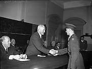 Army Officers receive Certificates for Motor Engineering at Bolton St. School, Dublin.<br />