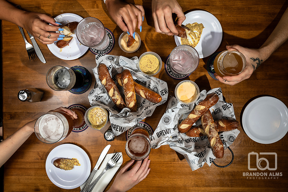Springfield Brewing Company food and drinks photo by Brandon Alms Photography