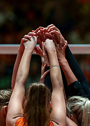 30-05-2019 NED: Volleyball Nations League Netherlands - Poland, Apeldoorn<br /> Hands celebrate yell