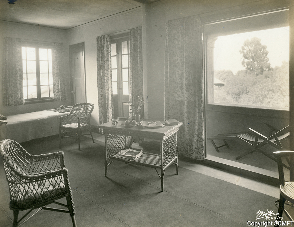 1926 Corner of the Directors Room at the Hollywood Studio Club on Lodi Pl.