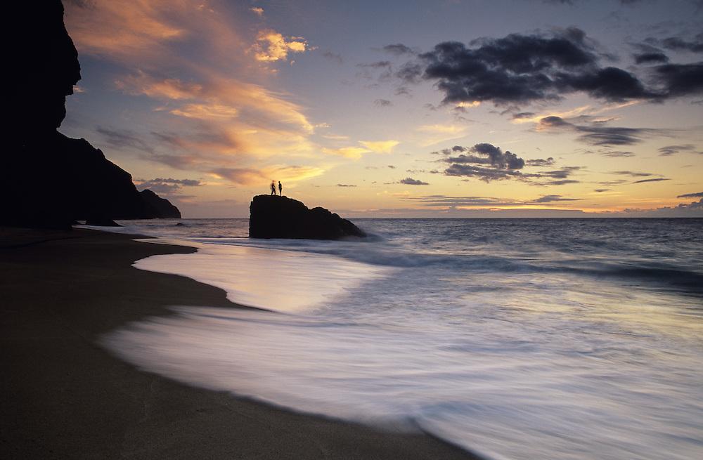 Hawaii, Kauai, Napali, Kalalau Valley Beach, sunset