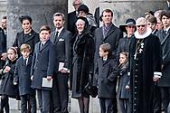 Kongefamilien samlet på trappen efter Prins Henriks bisættelse fra Christiansborg Slotskirke i København, tirsdag den 20. februar 2018. Prins Henrik døde tirsdag den 13. februar 2018. Pool 1C.<br /> (Foto: Bax Lindhardt/ Scanpix 2018)